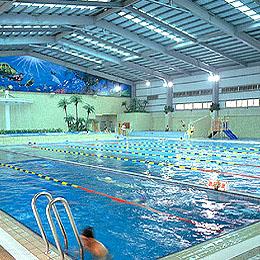 高雄大地游泳池